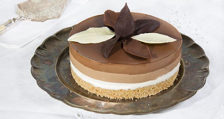 Receta de Tarta Tres Chocolates  【Deliciosa 🤤】